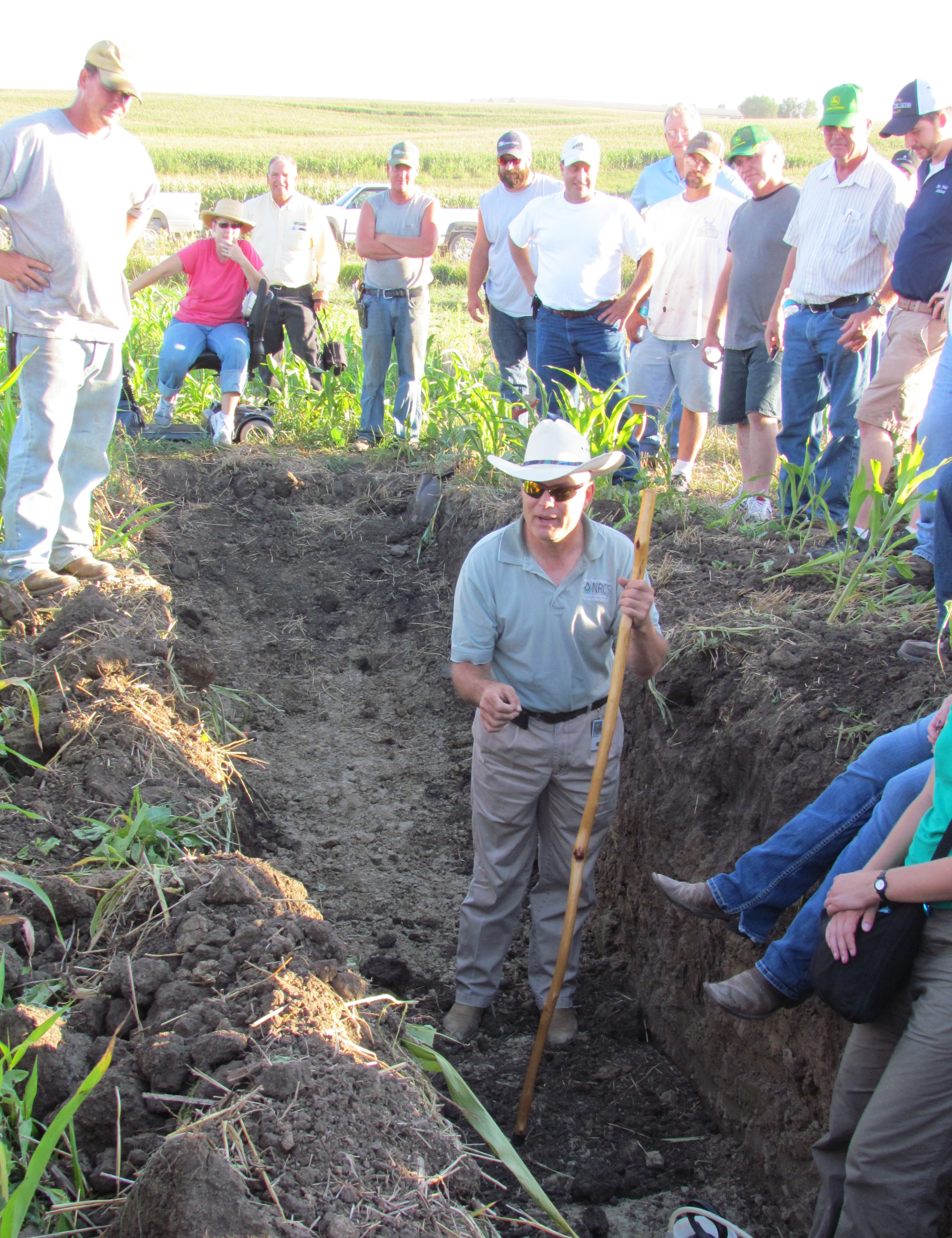 Soil microbiology iowa learning farms for Soil microbiology