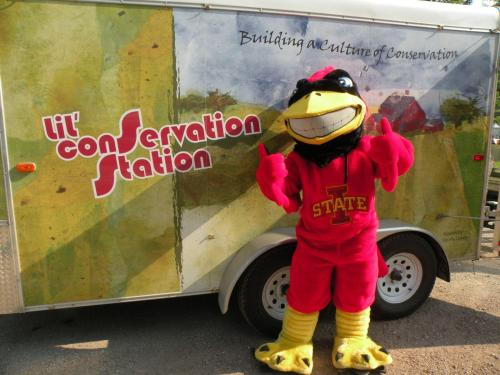 Cy visits the Conservation Station - two thumbs up for conservation!
